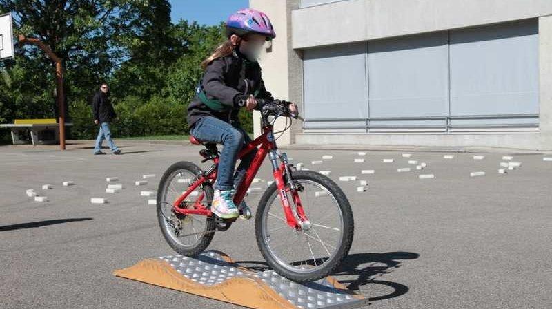 Le Valais veut améliorer la maîtrise du vélo chez ses jeunes écoliers