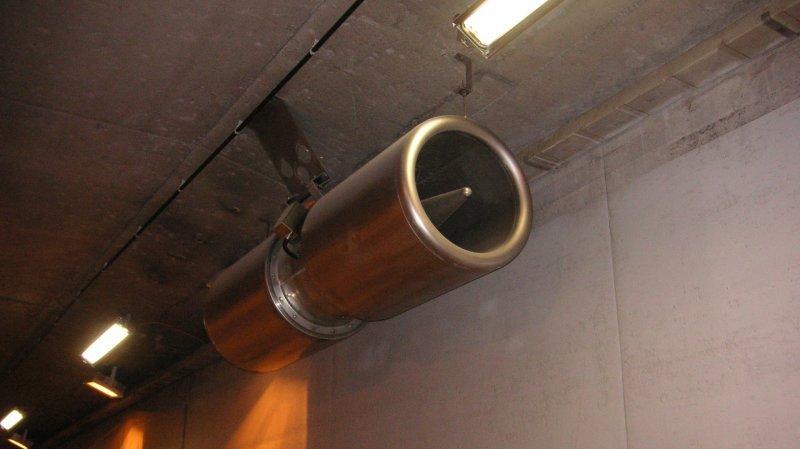 Les capteurs garants du bon fonctionnement du système d'aération dans le tunnel de Saint-Maurice  doivent être remplacés dans le tube en direction de Lausanne.