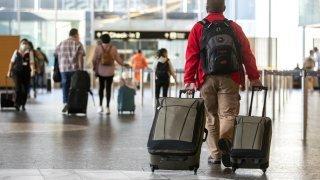 Coronavirus et voyages à l'étranger: quelles règles suivre?