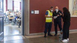 Coronavirus: peu de protestations contre le certificat dans les universités