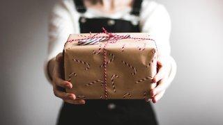 Fonctionnaires: la loi valaisanne sur les cadeaux est floue