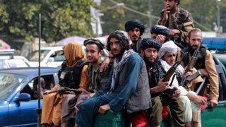 Vendanges colorées, premières neiges et patrouille de talibans: la galerie photos du 23 septembre 2021