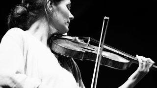 Janine Jansen, star absolue mais discrète, enchantera par deux fois le Sion Festival