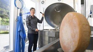 Le Châble: une fromagerie mobile aménagée dans des conteneurs maritimes