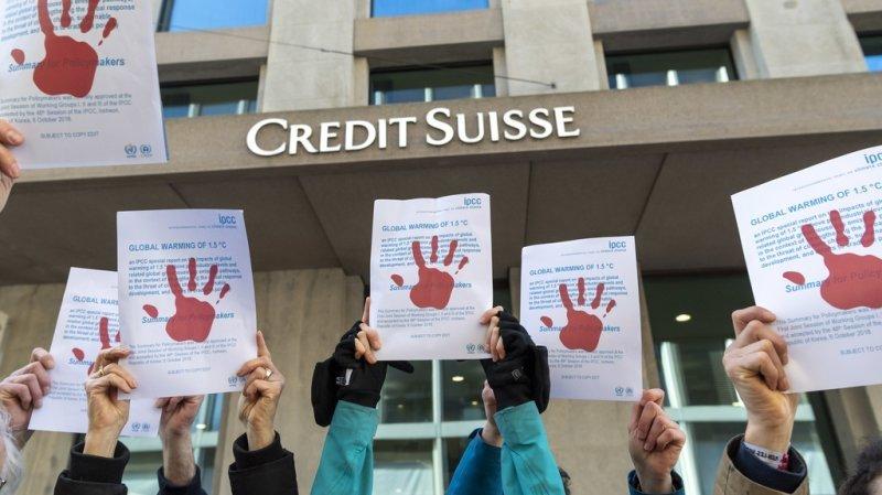 Bâtiment de Credit Suisse souillé: acquittement annulé pour un activiste du climat