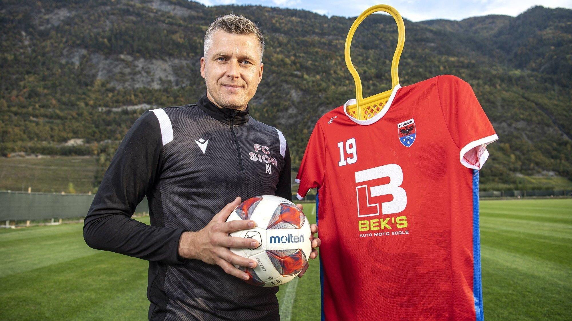 Andris Vanins entraîne les gardiens du FC Sion et joue avec les seniors du FC Vouvry