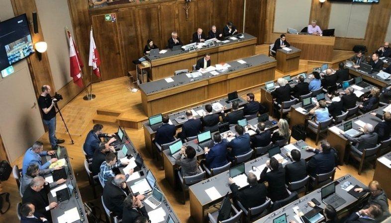 Après des mois d'exil, le Parlement valaisan de retour à Sion