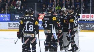 Hockey: Fribourg nouveau leader, Lausanne enchaîne, Genève s'enterre plus profond