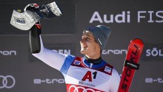 Ski alpin: Marco Odermatt géant sur le glacier du Rettenbach en ouverture de Coupe du monde