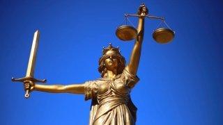 Votations: les grands partis s'opposent au tirage au sort des juges