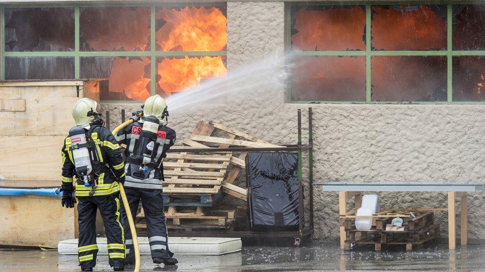 En Valais, où l'esprit de milice est encore bien ancré, l'histoire du pompier alémanique licencié ne semble, fort heureusement, pas avoir d'équivalent.