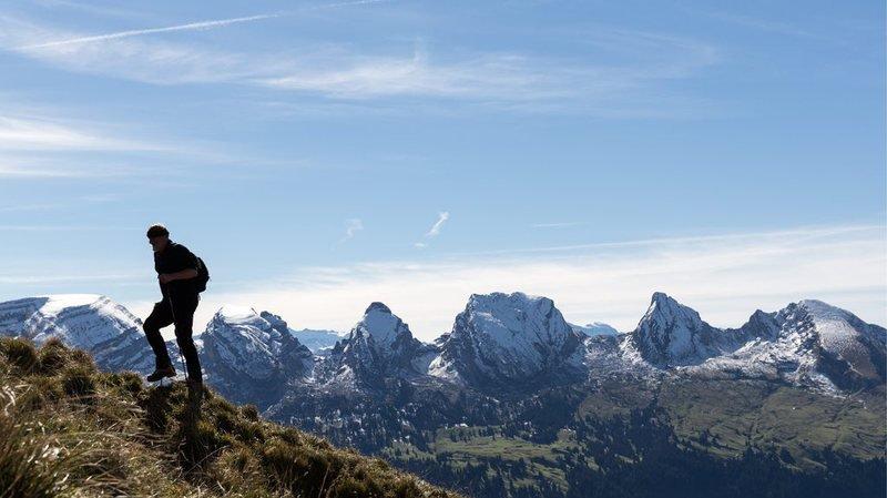 En arrière-fond, la chaîne de montagnes des Churfirsten (SG), qui s'étend dans l'est de la Suisse. (illustration)