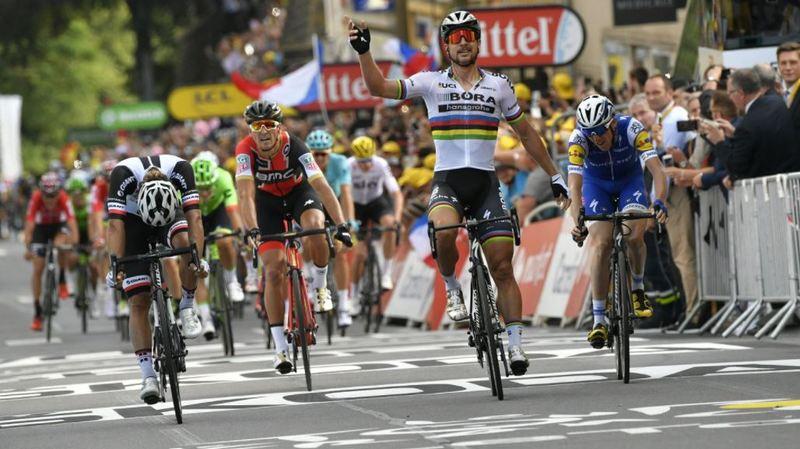 Tour de France: Peter Sagan s'offre une huitième victoire en remportant la 3ème étape