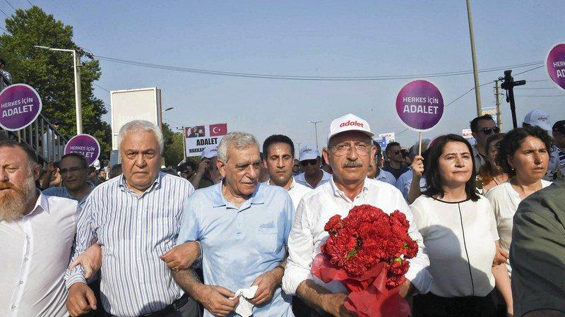 Turquie: grand rassemblement pour la fin d'une marche de 450 km organisée par l'opposition