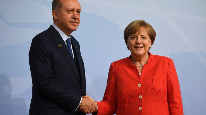 Malgré leur rencontre au G20, la tension ne cesse de monter entre les dirigeants allemands et turcs.