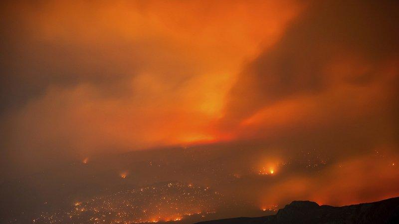 Canada: des incendies provoquent le déplacement de 37'000 personnes
