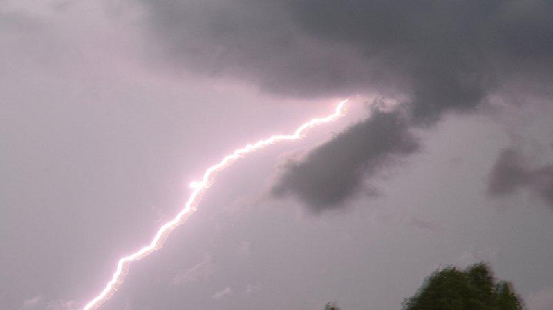 Météo: les cantons de Berne et de Fribourg à nouveau frappés par un violent orage