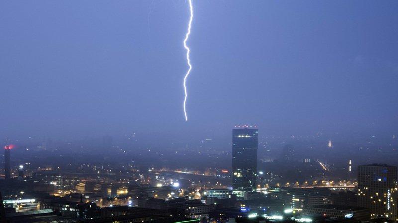 Météo: une nouvelle vague de violents orages a secoué la Suisse alémanique samedi soir
