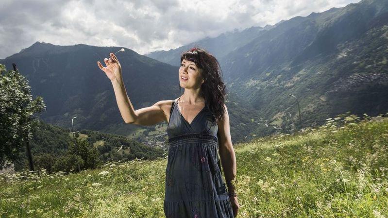 La journaliste et présentatrice de la RTS organise un festival sur le thème de la correspondance  dans le village de Mase.