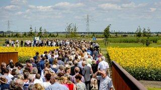 Pays-Bas: 3 ans après le crash du vol MH17 en Ukraine, un mémorial inauguré près de l'aéroport d'Amsterdam