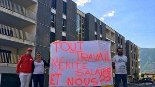 Des patrons manifestent contre le boss du Red Ice à Martigny. Explications et réactions.