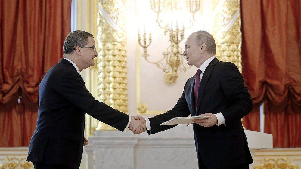 L'ambassadeur Yves Rossier reçu par le prédisent de la Fédération de Russie dans le somptueux grand palais du Kremlin.