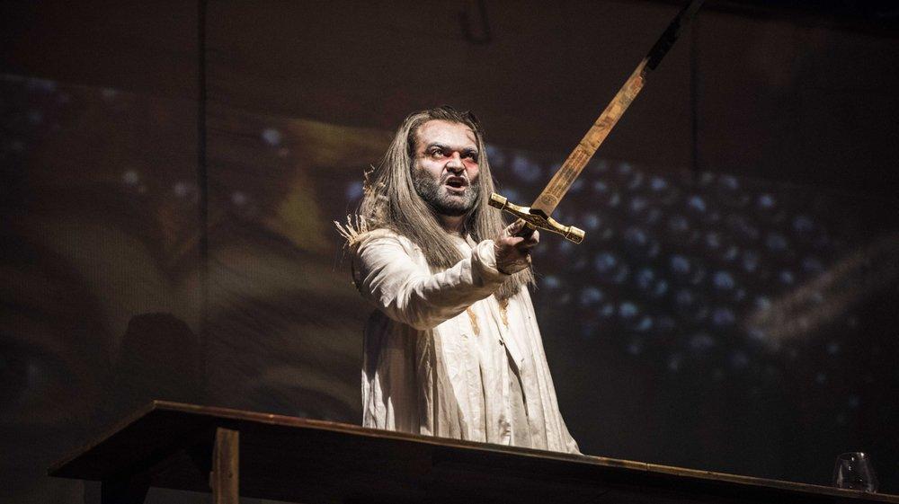 Stéphane Liard campe un Dracula aux multiples facettes dans le théâtre d'été 2017 de la Ville de Sion.