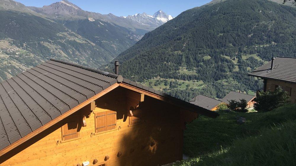 C'est dans cette zone à 1600 mètres d'altitude, sous la piste des Masses à Hérémence, que les permis de construire de 18 chalets prévus en résidences principales ont été annulés.
