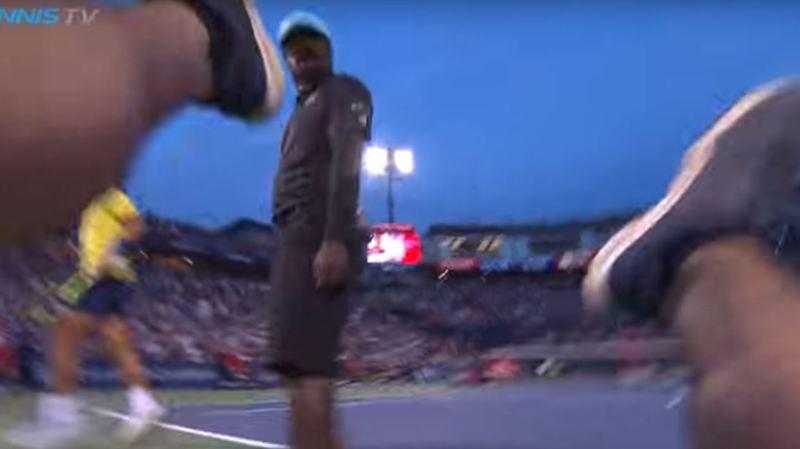Montréal: quand Rafael Nadal provoque la chute d'un caméraman sur le court