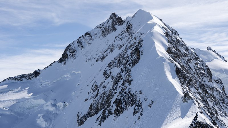 Une alpiniste allemande de 32 ans s'est tuée mercredi matin alors qu'elle escaladait le Piz Bernina (GR) avec un groupe.