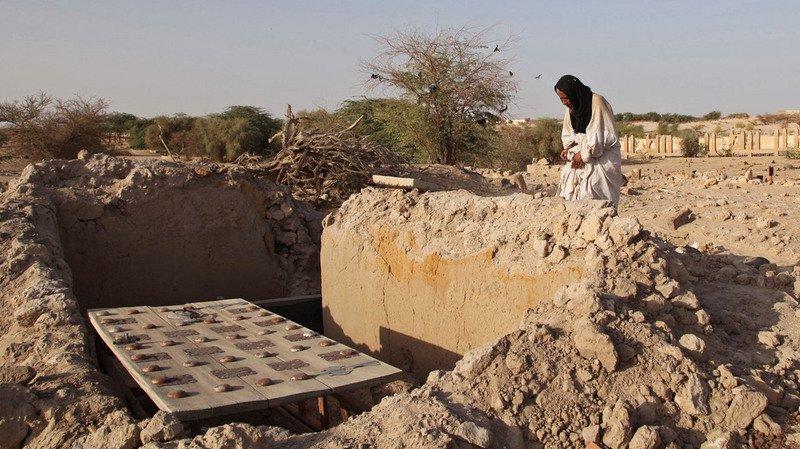 Les mausolées sont reconstruits petit à petit depuis leur destruction, en 2012.