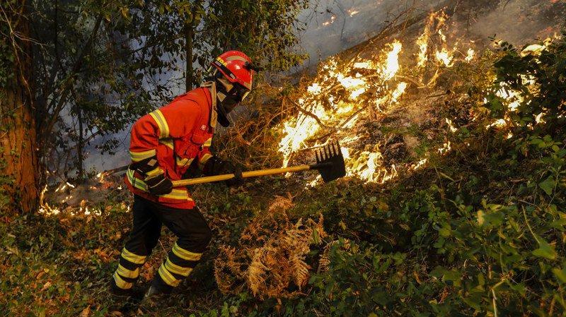 Quelque 6500 pompiers ont été mobilisés pour tenter de contrôler les 268 foyers qui ont démarré samedi.