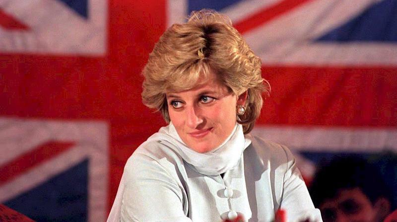 """L'organisation des funérailles a été un casse-tête. Depuis son divorce, Lady Di n'avait plus droit au titre d'altesse royale ni à des obsèques nationales. Mais les Britanniques ont réclamé un hommage à la hauteur de leur """"reine de coeur""""."""