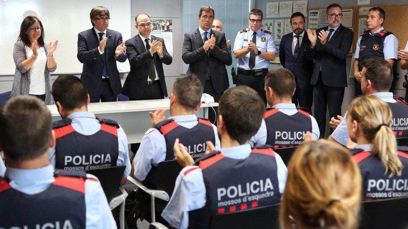 Barcelone: Les polices n'ont pas les mêmes versions de l'avancée des recherches