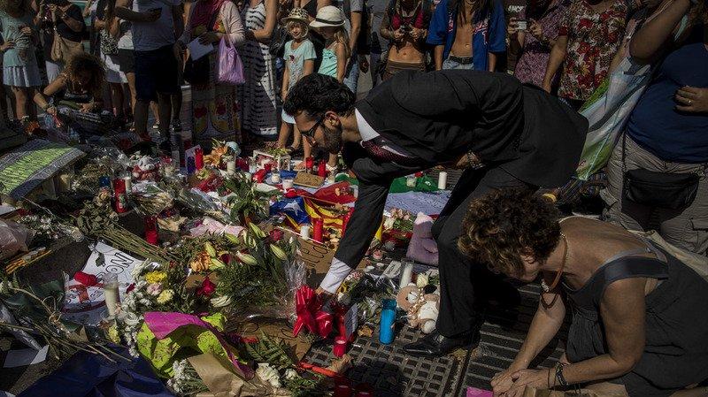 Barcelone: poursuite de la traque pour retrouver un suspect des attentats