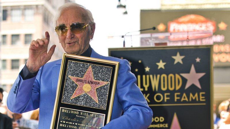 """Celui qui a été déclaré par un sondage de CNN et Time en 1998 le """"chanteur de variété le plus important du XXe siècle"""" a désormais son étoile sur la prestigieuse promenade des célébrités."""