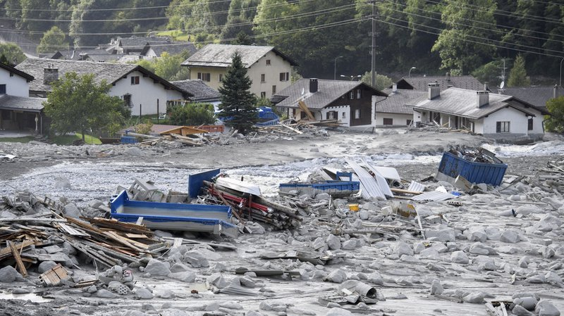 Plusieurs coulées de boue se sont déversées sur le village grison de Bondo.