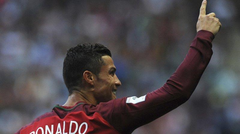 Qualifications Mondial 2018: triplé de Ronaldo, le Portugal reste aux trousses de la Suisse