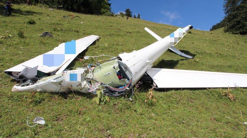 L'endroit du crash étant difficilement accessible, un hélicoptère a été engagé pour récupérer la carcasse de l'aéronef.