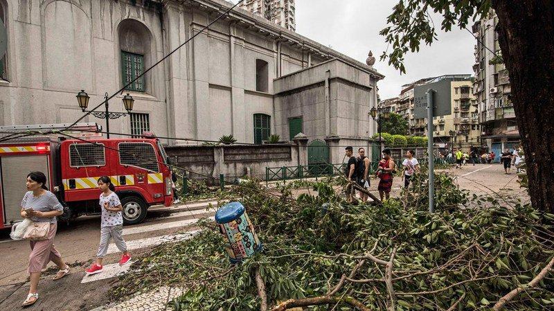 Le typhon Hato a ravagé Macau, tuant cinq personnes et causant d'important dégâts.