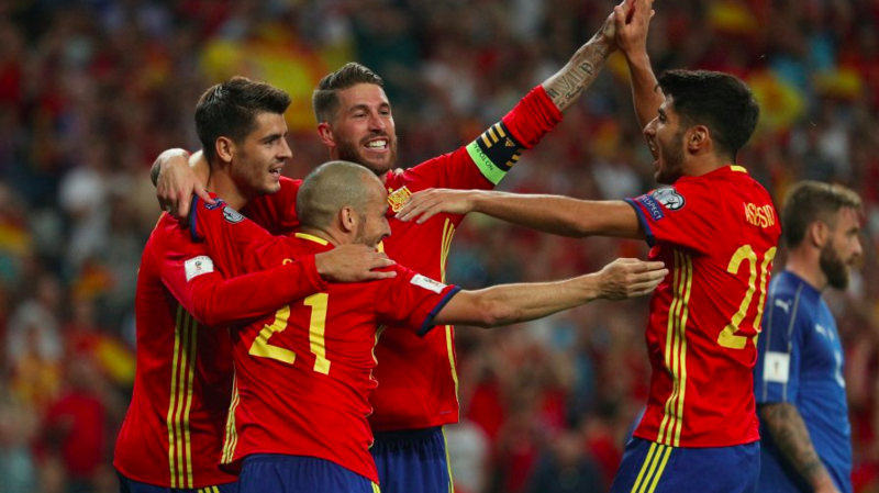 Football: l'Espagne bat l'Italie 3-0 et se rapproche de la qualification directe pour la Coupe du monde