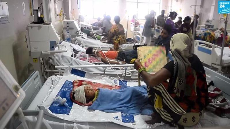 D'après les médias indiens, les enfants auraient succombé en raison d'un manque d'oxygène dans les services pédiatriques de l'hôpital.