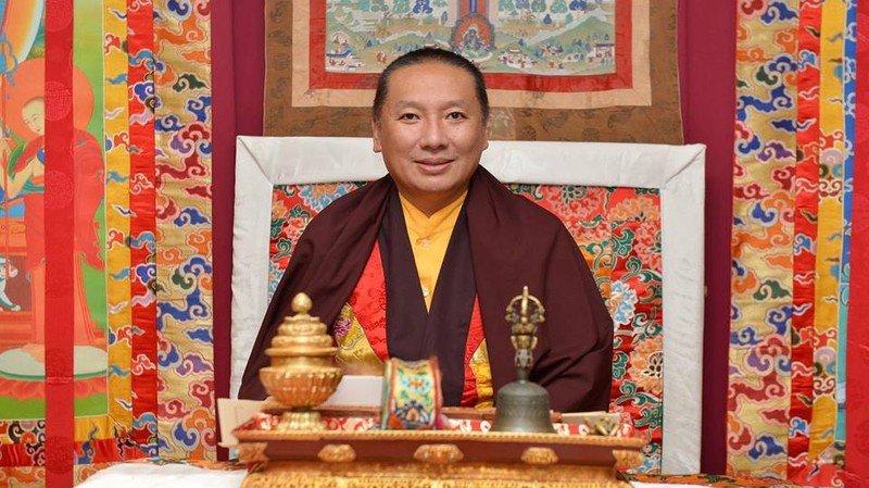 Son éminence Zurmang Gharwang Rinpoche donnera une conférence publique ce dimanche 13 août à Martigny.