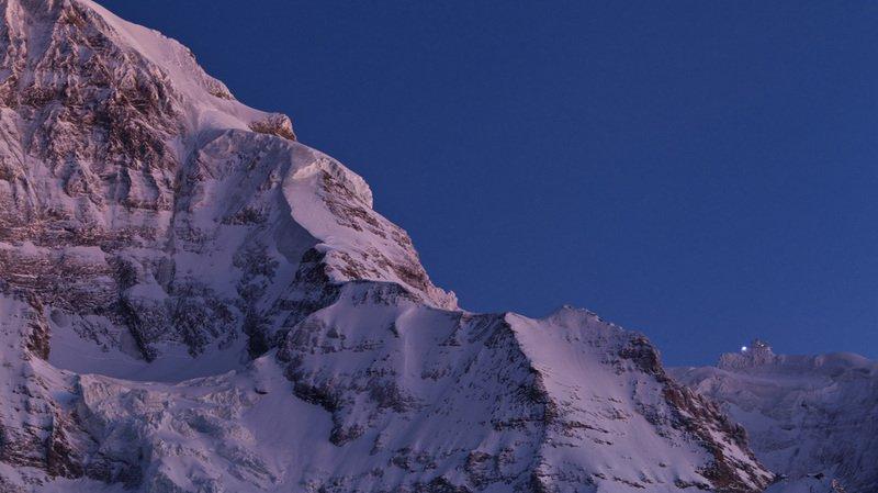 Montagne: deux alpinistes passent la nuit au sommet de la Jungfrau, à 4158 m d'altitude