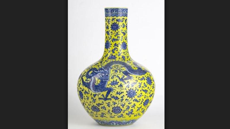 Enchères à Genève: présenté à 800 francs, un vase chinois est finalement vendu à 5 millions