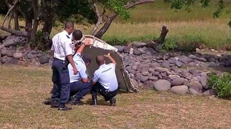 Seuls trois débris issus du vol MH370 ont été repêchés sur les côtes occidentales de l'océan Indien, dont un morceau d'aile de deux mètres identifié comme un aileron haute-vitesse.