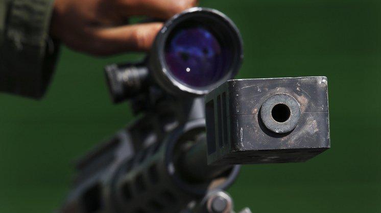 Le TCA interdit les transferts d'armes entre états s'il est clair que celles-ci serviront à commettre des crimes de guerre.