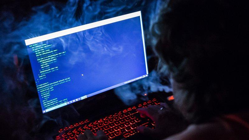 Cyberespionnage: des hackeurs russes piratent des réseaux électriques, la Suisse touchée
