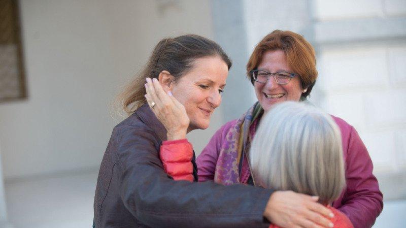 Tessin: la députée qui avait fait passer 24 migrants clandestins en Suisse condamnée