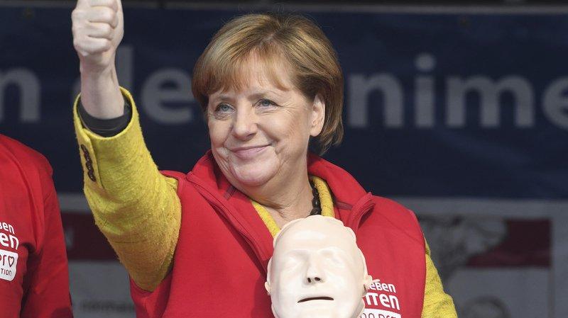 Allemagne: Merkel motive une dernière fois les troupes à la veille des élections législatives